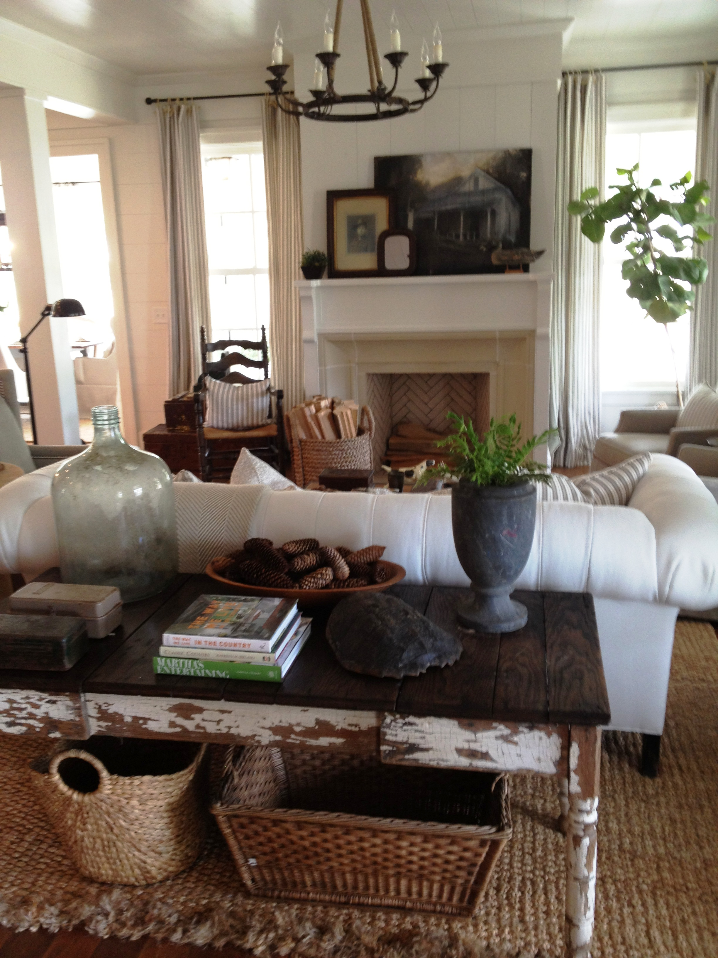 2012 southern living idea house through our eyes living for Warm decorating ideas living rooms